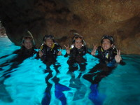 沖縄恩納村ダイビング_ボート青の洞窟シュノーケルツアー